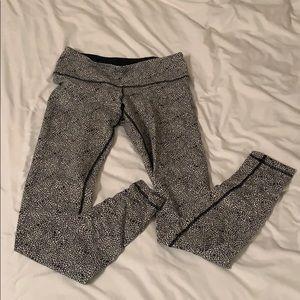 Lululemon leggings size 6 full length